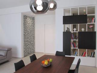 Modern dining room by B+P architetti Modern
