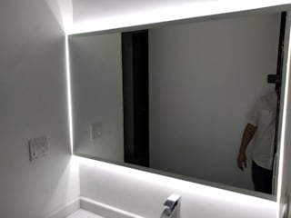 CG Diseño BathroomMirrors Glass