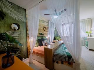 Спальня 25 м²: Спальни в . Автор – Студия дизайна интерьеров Екатерины Дозмолиной