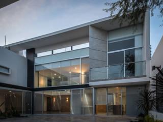STVX Colectivo de Diseño: Casas de estilo  por Oscar Hernández - Fotografía de Arquitectura,