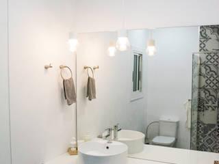 Baños de estilo moderno de Escarra arquitectos y asociados SAS Moderno