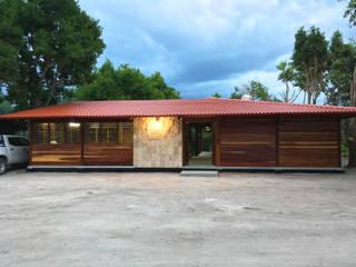 by Rizzardini Arquitectura Country