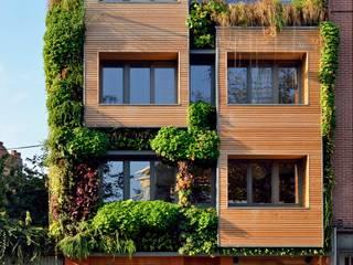 IMMEUBLE COLLECTIF ECOLOGIQUE BIOCLIMATIQUE (Bruxelles): Maison passive de style  par Atelier Espace Architectural Marc Somers