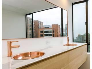 Apartamento Viscaya Baños de estilo minimalista de Intrazzo Mobiliairo Minimalista