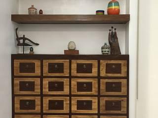 Mayfair Mansion:  Living room by Geraldine Oliva