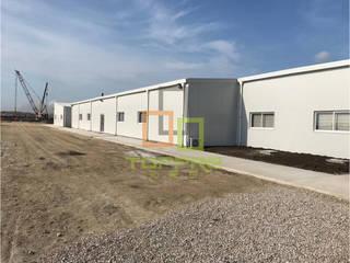 Oficina de granja: Estudios y oficinas de estilo  por Dongguan Toppre Modular House Limited