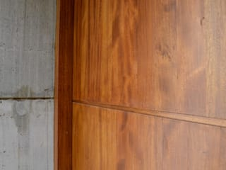 Front doors by Gallo y Manca, Modern