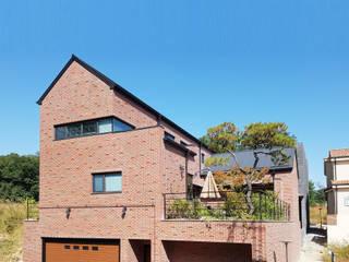 現代房屋設計點子、靈感 & 圖片 根據 호림건축사사무소 現代風