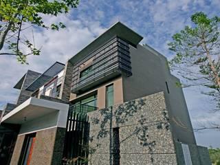 自地自建 | 花園層退別墅 根據 大桓設計顧問有限公司 現代風