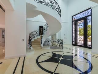 Koridor & Tangga Klasik Oleh AG FOTOGRAFIA Klasik