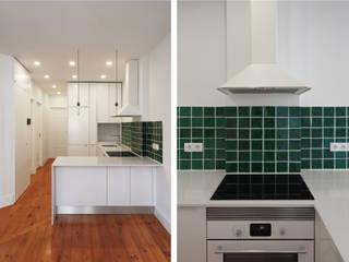 Cozinha: Cozinhas pequenas  por PortoHistórica Construções SA,Minimalista