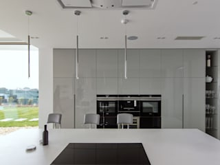 Modern style kitchen by iHome Lda Modern