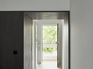 Corridor, hallway by arriba architects