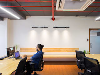 660 sq. ft. office interiors in Baner Modern offices & stores by M+P Architects Collaborative Modern