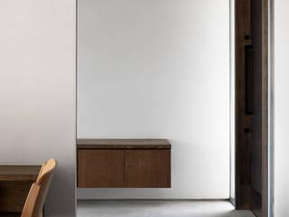 サクラの家 ミニマルスタイルの 玄関&廊下&階段 の 遠藤誠建築設計事務所(MAKOTO ENDO ARCHITECTS) ミニマル