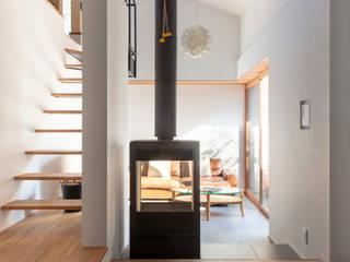 太子堂J邸 北欧デザインの リビング の 遠藤誠建築設計事務所(MAKOTO ENDO ARCHITECTS) 北欧