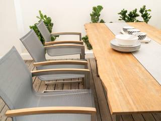 Gartentische: modern  von ZEBRA,Modern