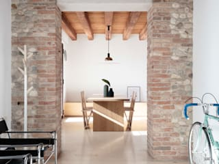 根據 Didonè Comacchio Architects 簡約風