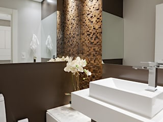Bathroom by Simone Martini Arquitetura