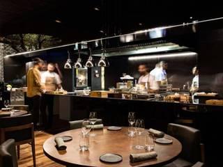 Restaurante Loco: Espaços de restauração  por L2AC lda,