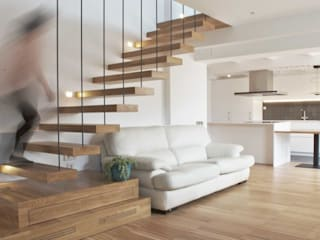 Sala de estar de MANGRANA arquitectes Escandinavo Madera Acabado en madera