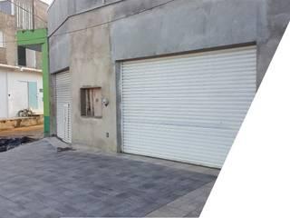 Autoservicio en Uruapan Michoacán de AXS Arquitectos Moderno