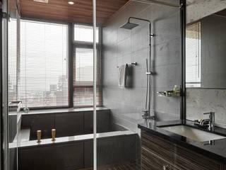 浴室 根據 Hi+Design/Interior.Architecture. 寰邑空間設計 隨意取材風 花崗岩