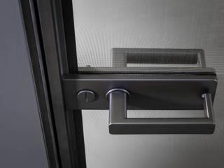 Rimadesio Zen moderne kozijnloze kamerhoge deur:  Binnendeuren door Noctum, Modern