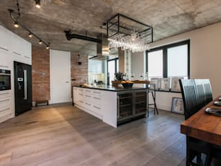 Industrial style kitchen by NOWA-FORMA JAROSŁAW JOŃCZYK Industrial