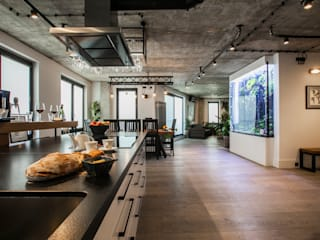 Industrial style living room by NOWA-FORMA JAROSŁAW JOŃCZYK Industrial