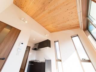 田園調布アパートメント|木造賃貸アパート 長屋形式 メゾネットタイプ: タイラ ヤスヒロ建築設計事務所/yasuhiro taira architects & associatesが手掛けたダイニングです。