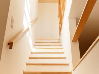 豊田の住まい_東京都日野市: タイラ ヤスヒロ建築設計事務所/yasuhiro taira architects & associatesが手掛けた階段です。