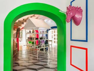 Hall de entrada: Espacios comerciales de estilo  de Guille Garcia-Hoz