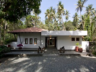 BEACH ESTATE : AKSHI, ALIBAG:  Bungalows by Bric Design Group