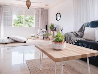 Villa Maribel Salones de estilo clásico de Bhoga Home Staging Clásico