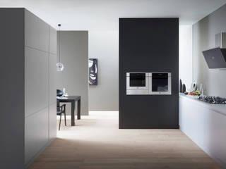 Cucine moderne ROOM 66 KITCHEN&MORE Cucina moderna