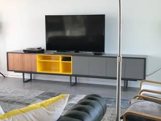 Mobiliario en El Canton -Escobar Livings modernos: Ideas, imágenes y decoración de Arq. Stuart Milne Moderno