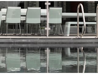de ONE TO SIT - indoor & outdoor furniture Moderno