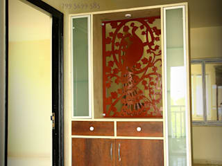 Aditya Silicon Heights:  Living room by Meticular Interiors LLP,