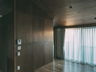 Projekty,  Salon zaprojektowane przez 株式会社シーンデザイン建築設計事務所