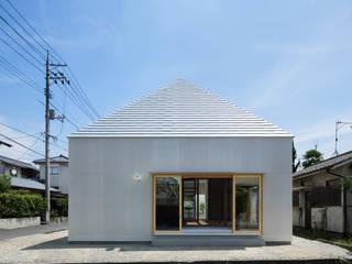 บ้านเดี่ยว โดย 建築設計事務所 可児公一植美雪/KANIUE ARCHITECTS, มินิมัล