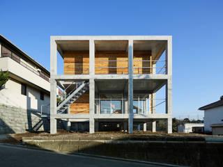 บ้านและที่อยู่อาศัย โดย 建築設計事務所 可児公一植美雪/KANIUE ARCHITECTS, โมเดิร์น