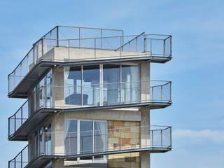 บ้านเดี่ยว โดย 建築設計事務所 可児公一植美雪/KANIUE ARCHITECTS, ผสมผสาน