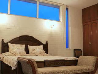 3 BHK Apartment Design of Mr Anuj Pratap Singh: classic  by Cee Bee Design Studio,Classic