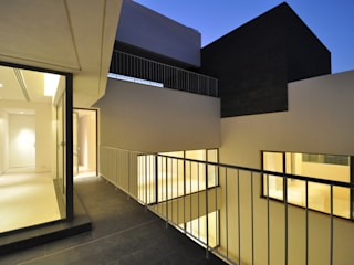 Patios & Decks by AGi architects arquitectos y diseñadores en Madrid,