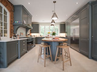 Industrial style kitchen John Ladbury and Company Dapur built in Kayu Green