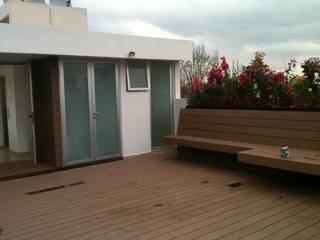 Moderner Balkon, Veranda & Terrasse von TRASSO ATELIER Modern
