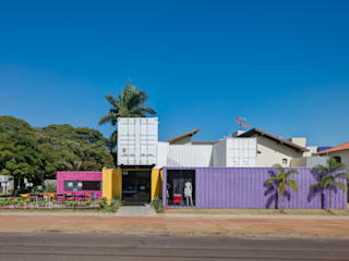Industrial style offices & stores by Perotto E Fontoura Estúdio de Arquitetura Industrial