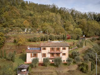 Villa Garfagnana Case in stile rustico di Matteo Castelli fotografia Rustico