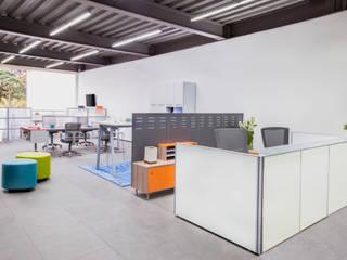Centro de Diseño Poliarte - Poliarte de Poliarte, muebles de oficina Moderno